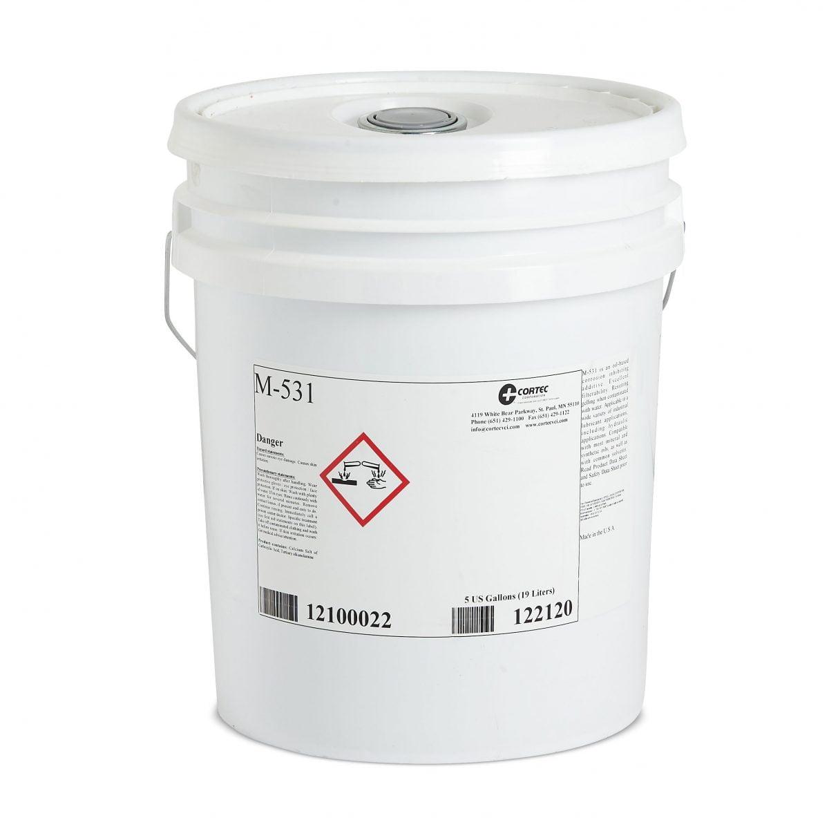 Inhibidores de corrosión solubles en aceite